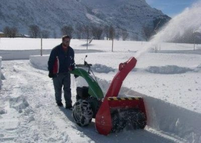 Rapid snow blower